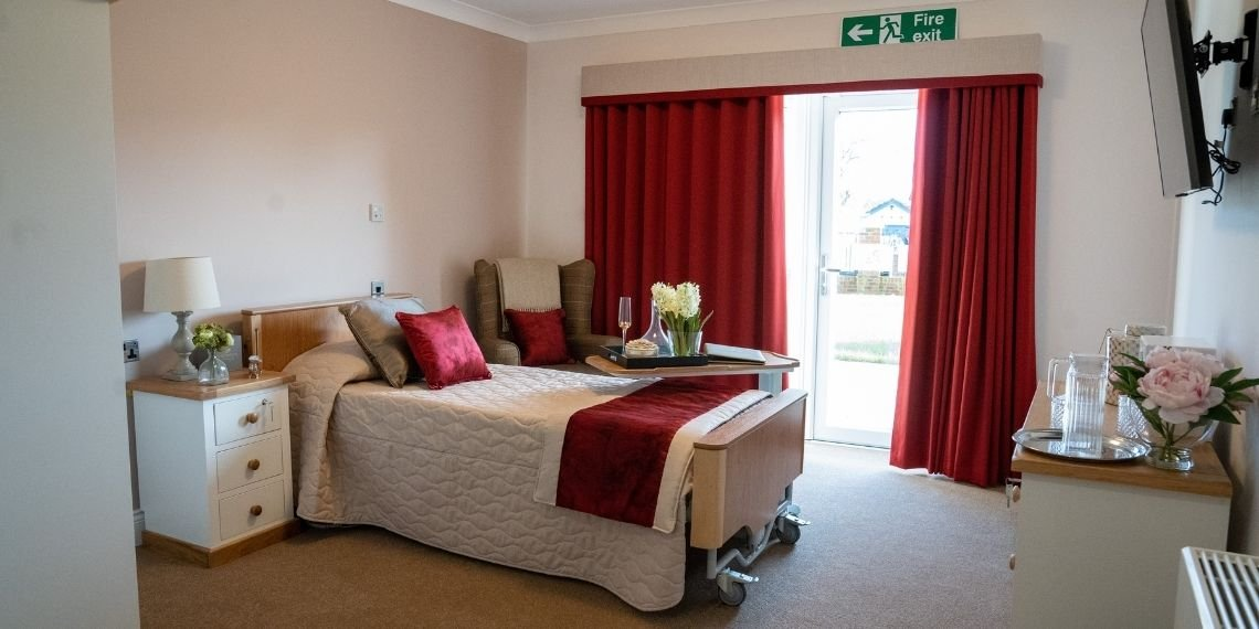 Care_home_bedroom_contract_decorators_1